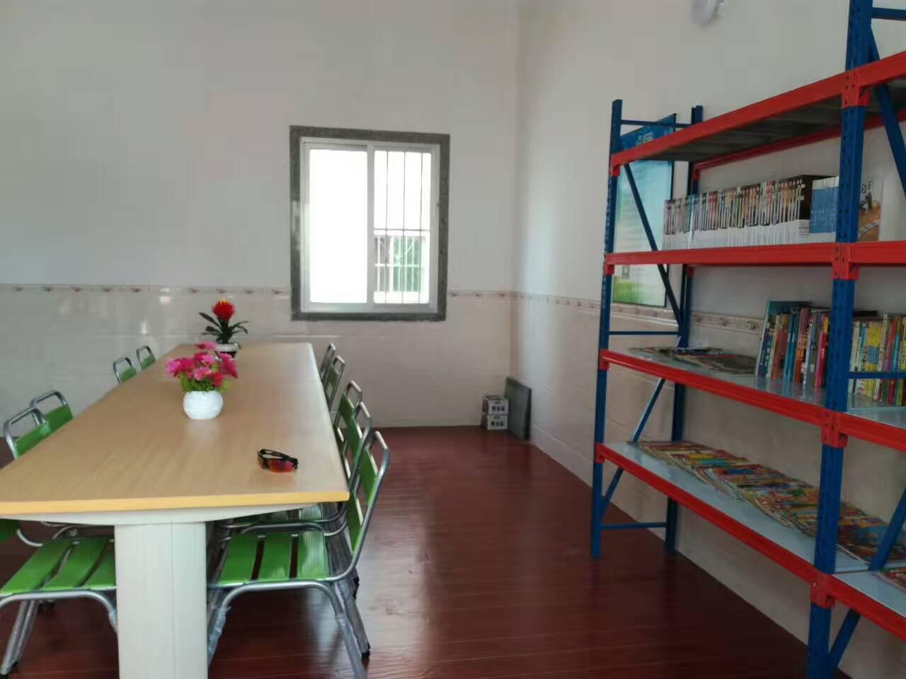 霞圳均恒免费图书室