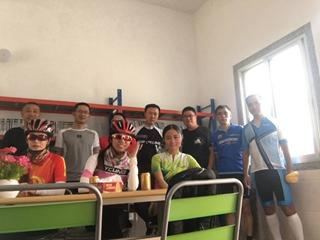 霞圳村均恒免费图书室建立
